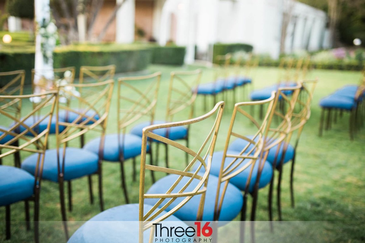 Outdoor seating for a Richard Nixon Library wedding ceremony