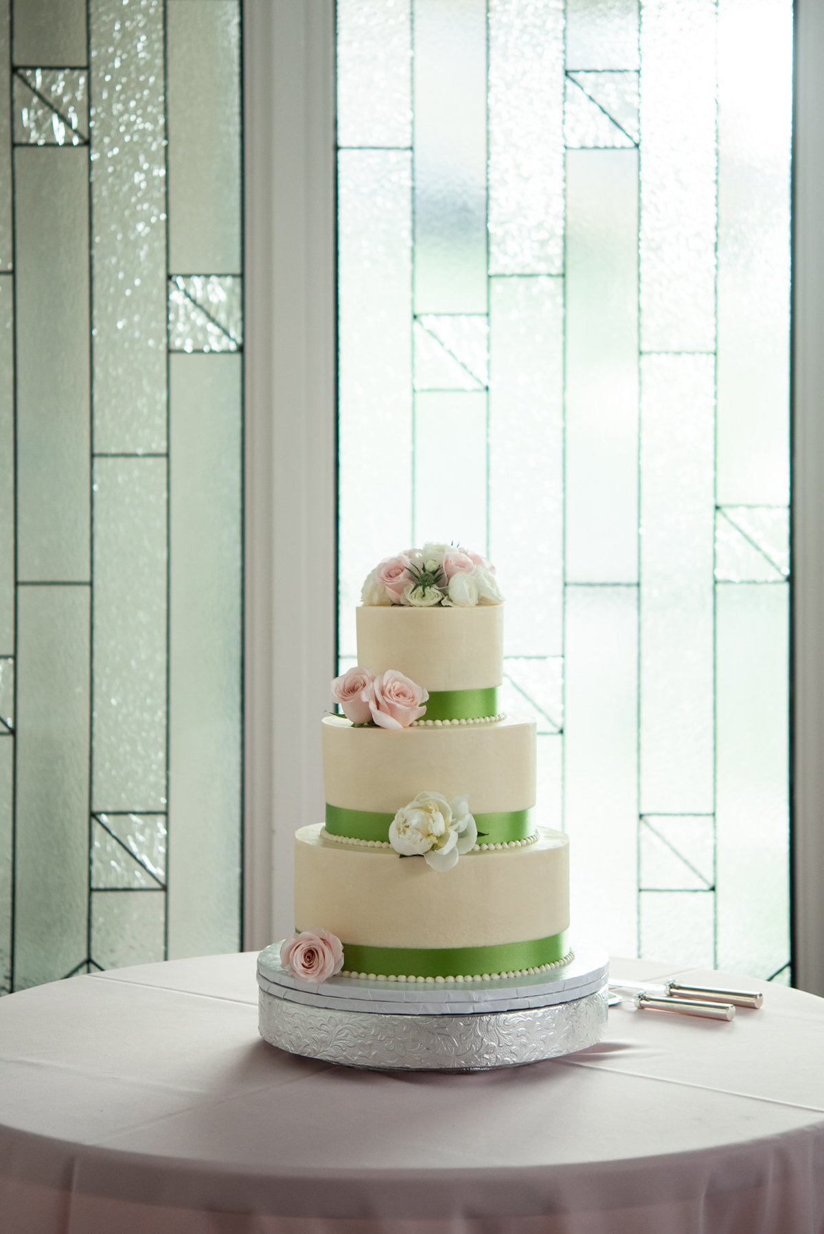 frost bake shop wedding cake