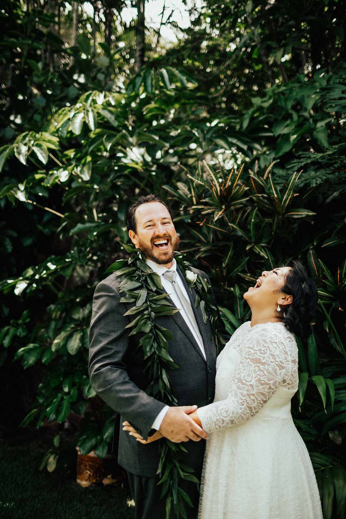 north-shore-oahu-hawaii-lindsey-roman-destination-elopement-photographer-10