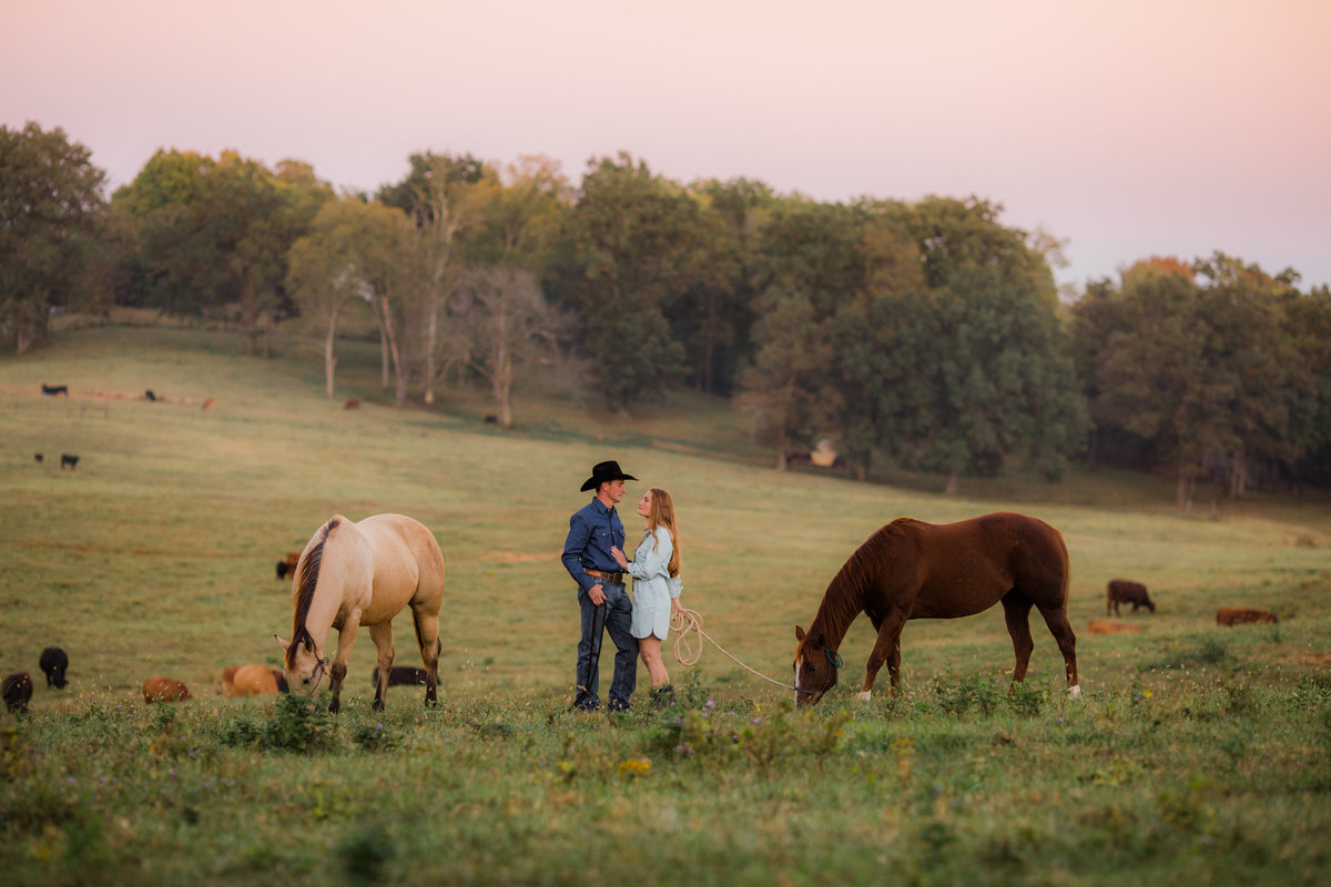 Nsshville Bride - Nashville Brides - The Hayloft Weddings - Tennessee Brides - Kentucky Brides - Southern Brides - Cowboys Wife - Cowboys Bride - Ranch Weddings - Cowboys and Belles138