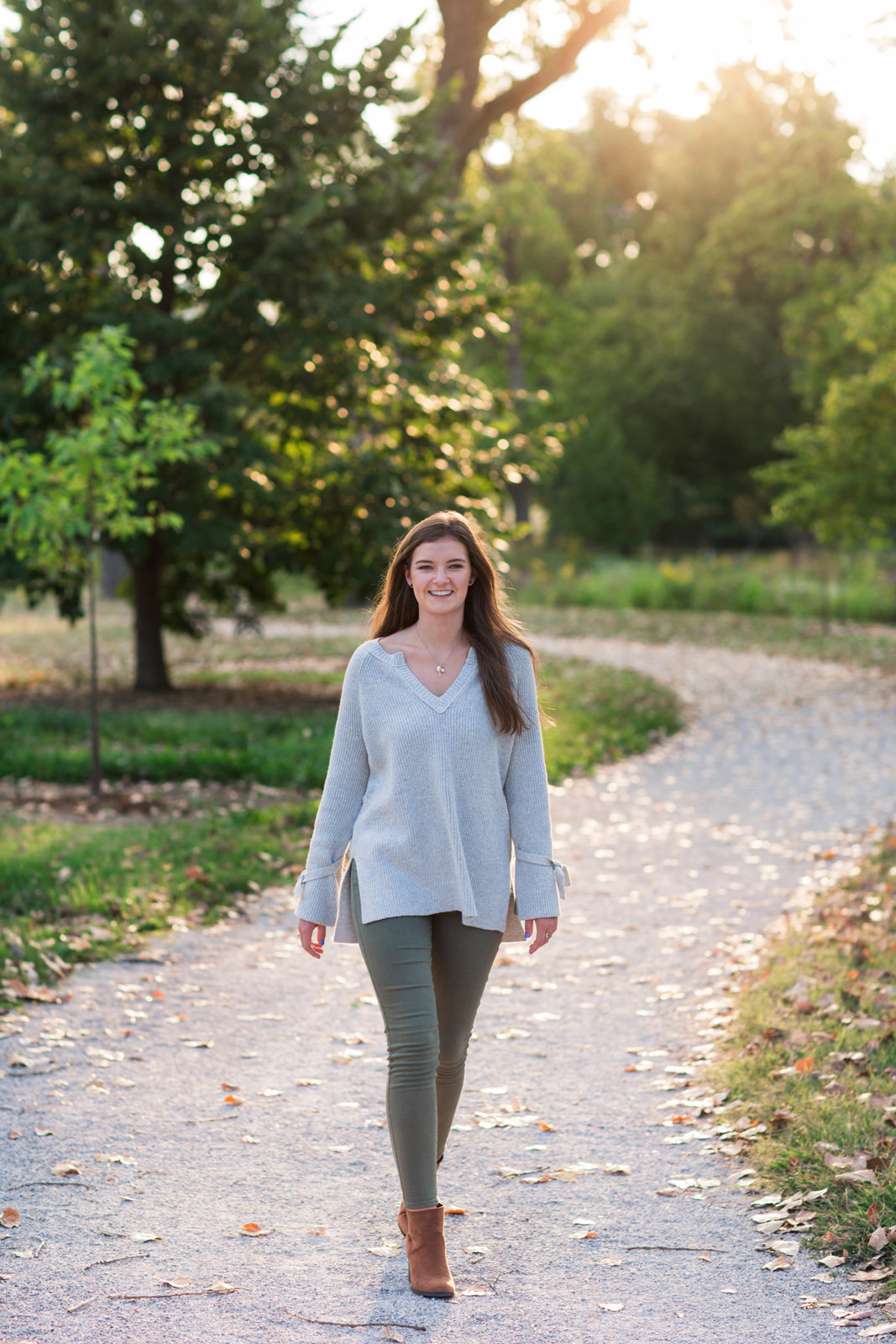 L Photographie high school senior photos Forest Park 36