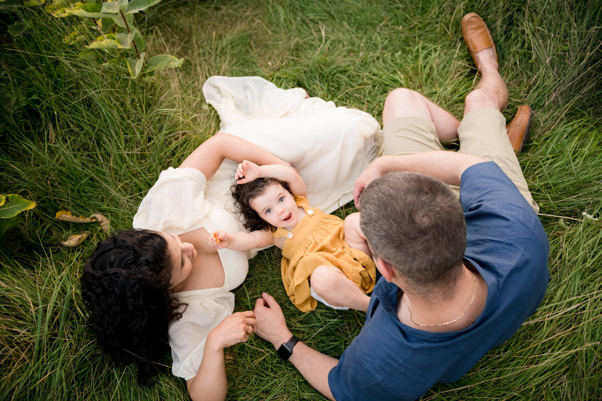 Boston-family-photographer-bella-wang-photography-Lifestyle-session-outdoor-wildflower-71