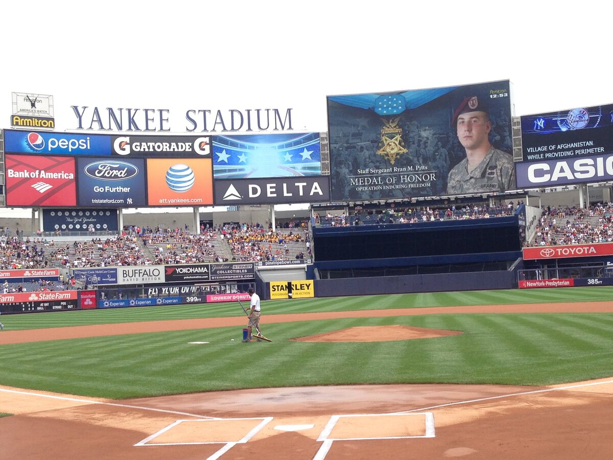 MOH-Screenshot-Yankee Stadium