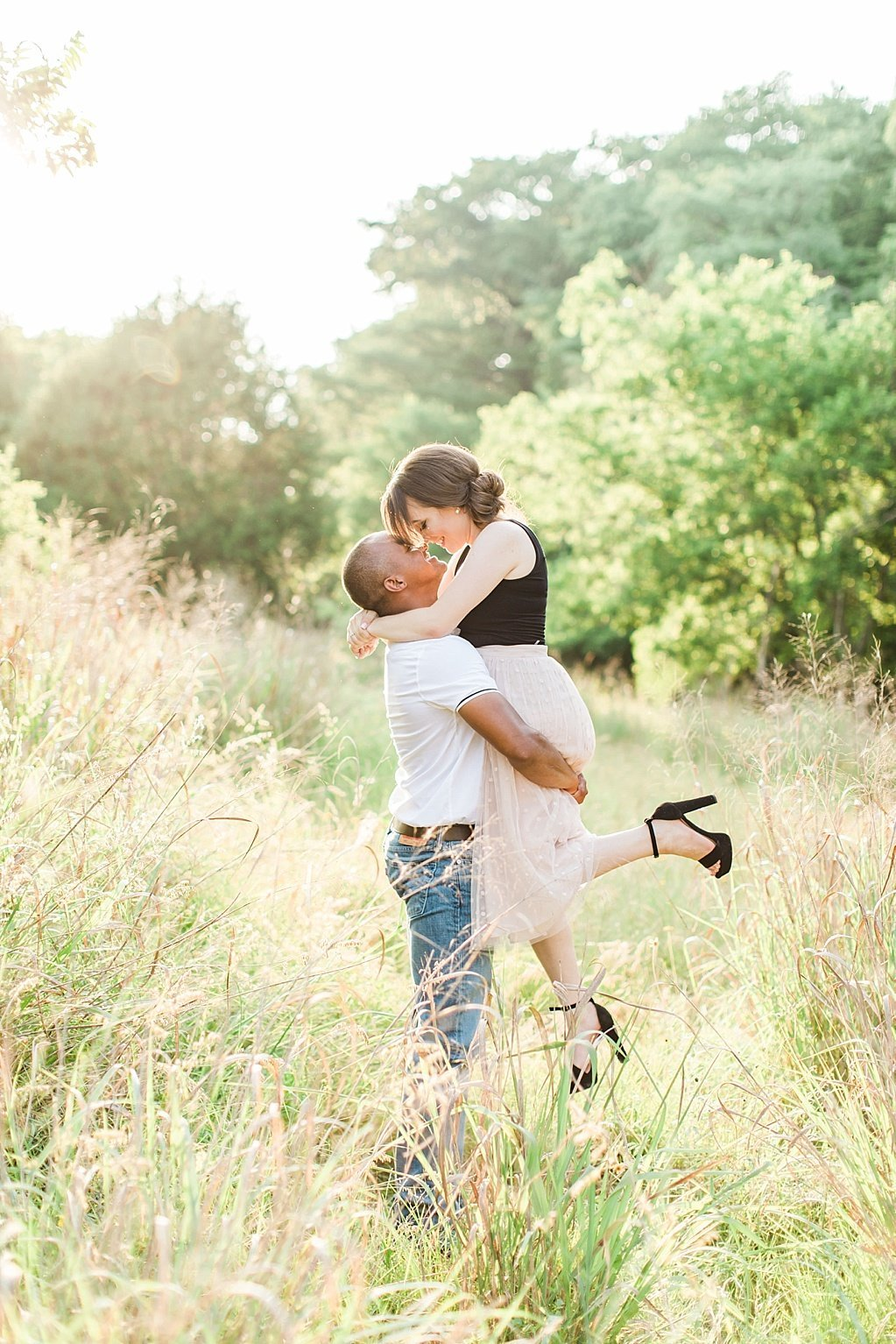 A summer engagement session at Cibolo Nature Center in Boerne, Texas_0011
