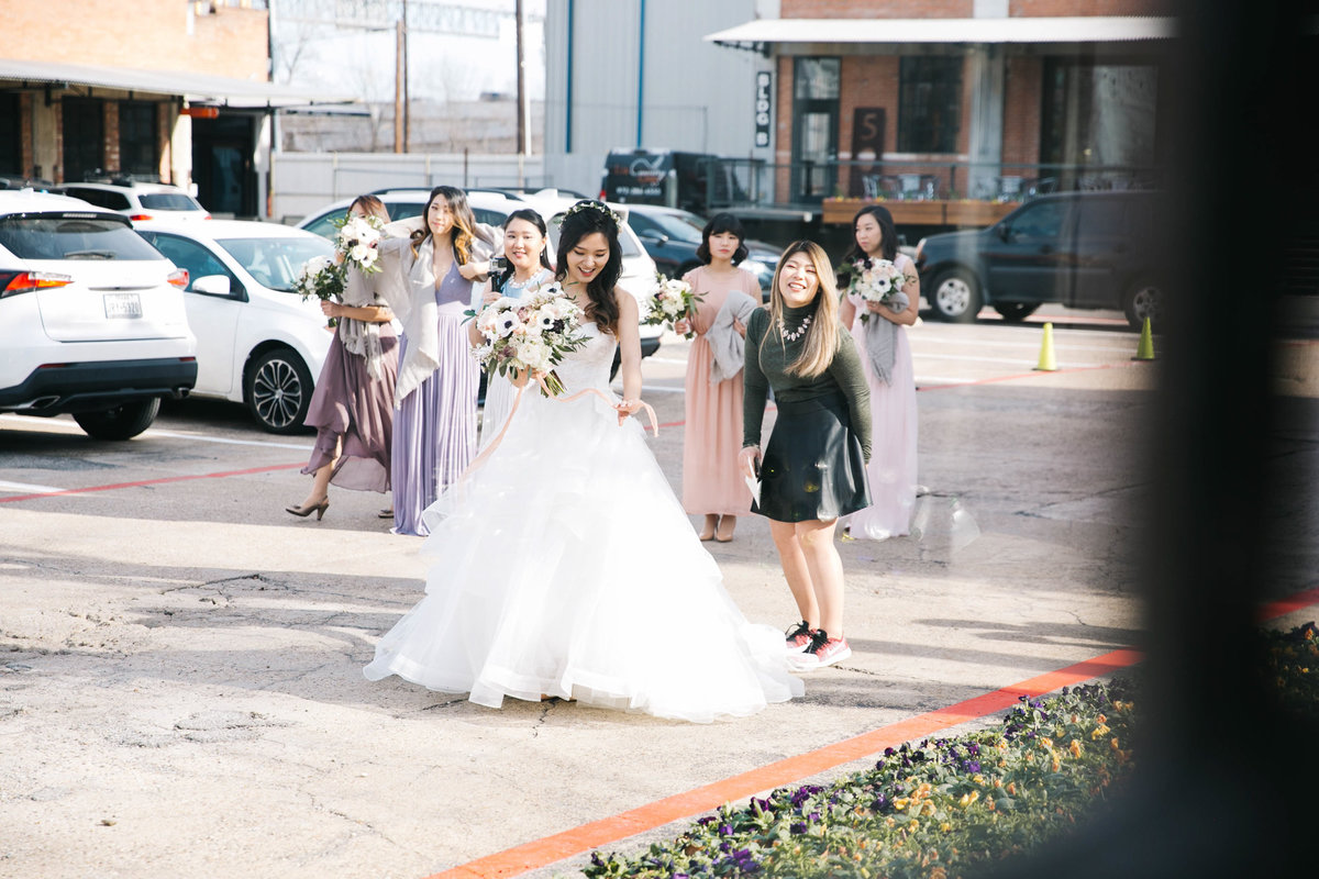 Dallas-Downtown-wedding-at-Hickory-Street-Annex-by-Julia-Sharapova-Photographer-48
