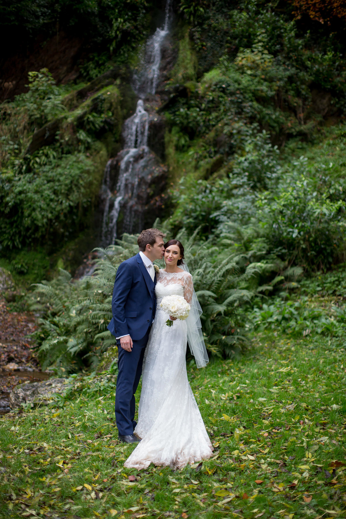 hestercombe gardens wedding photo natural by cascade couple