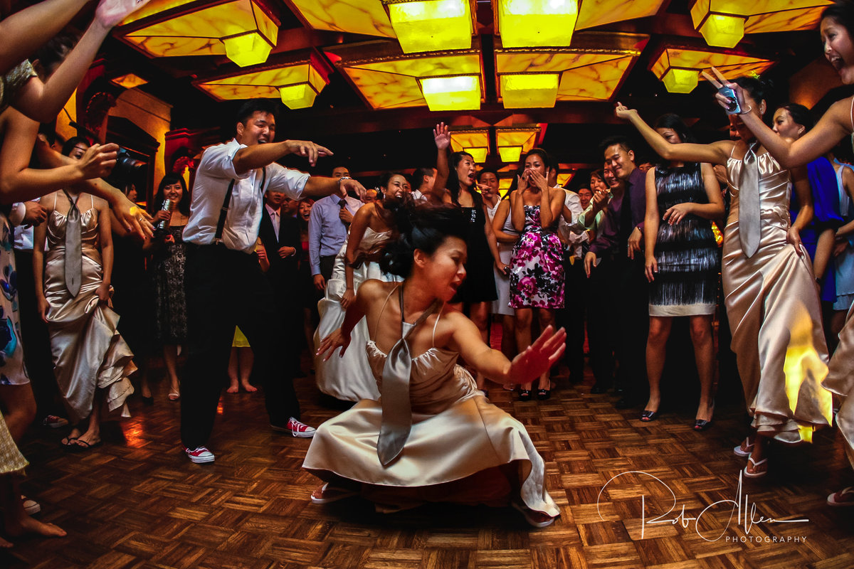 roballenphotography-maid-of-honor-reception-dancing