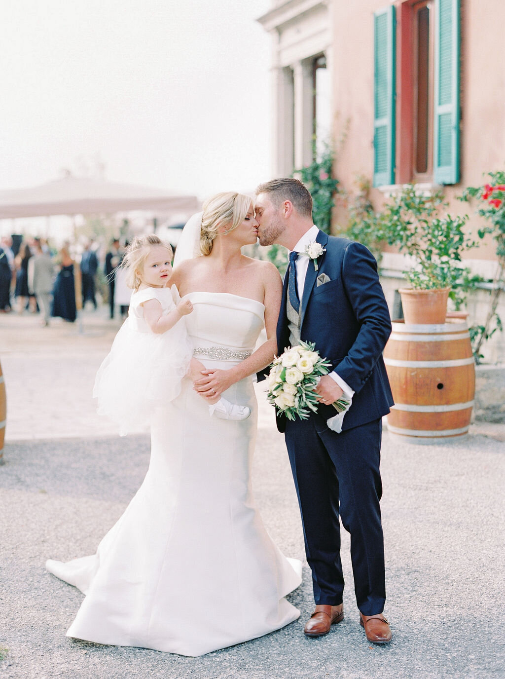 best-italy-wedding-photographer-soft-airy-lake-como-garda-mike-hannah-previews-9