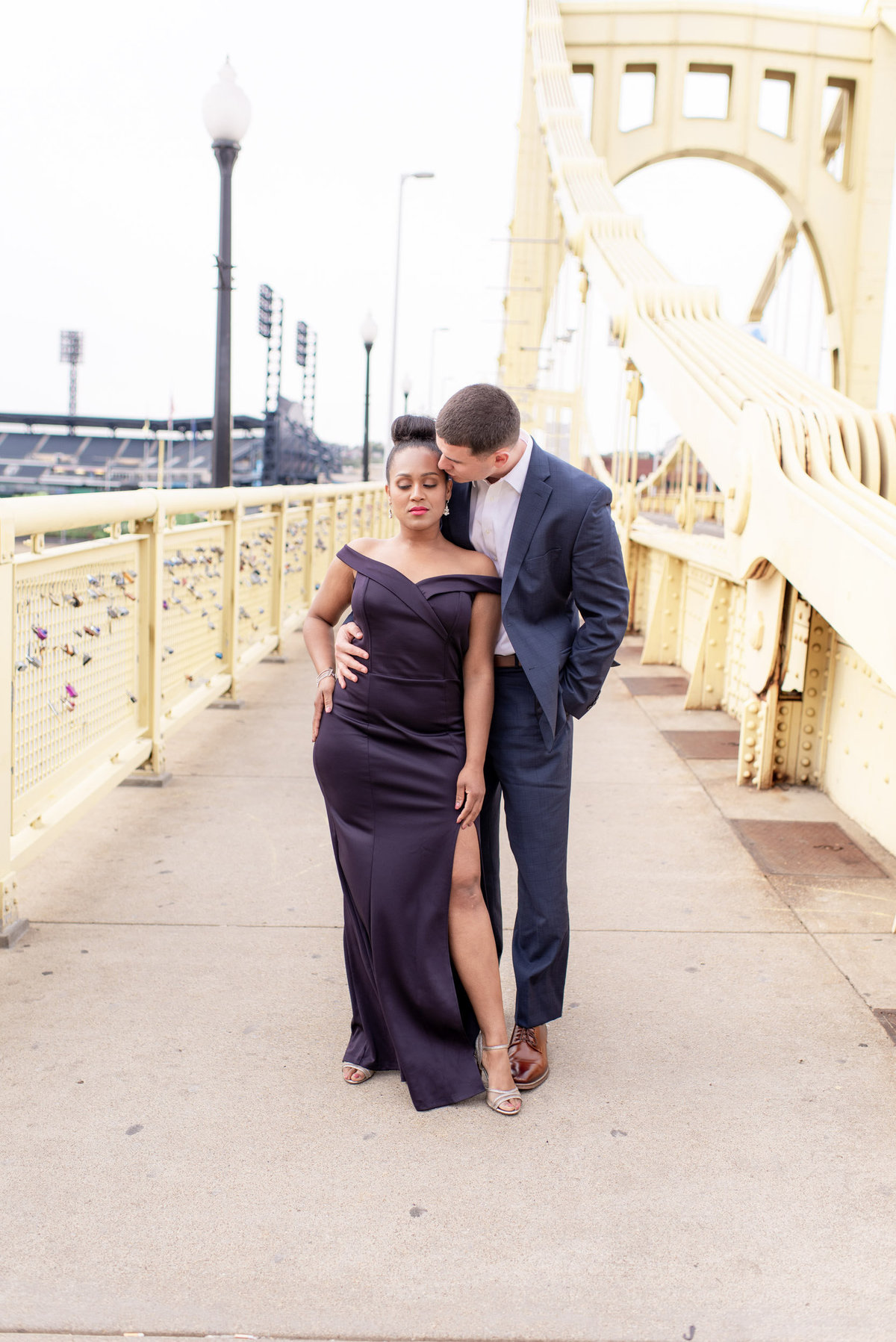 DowntownPittsburghPAWeddingEngagementPhotography2-3