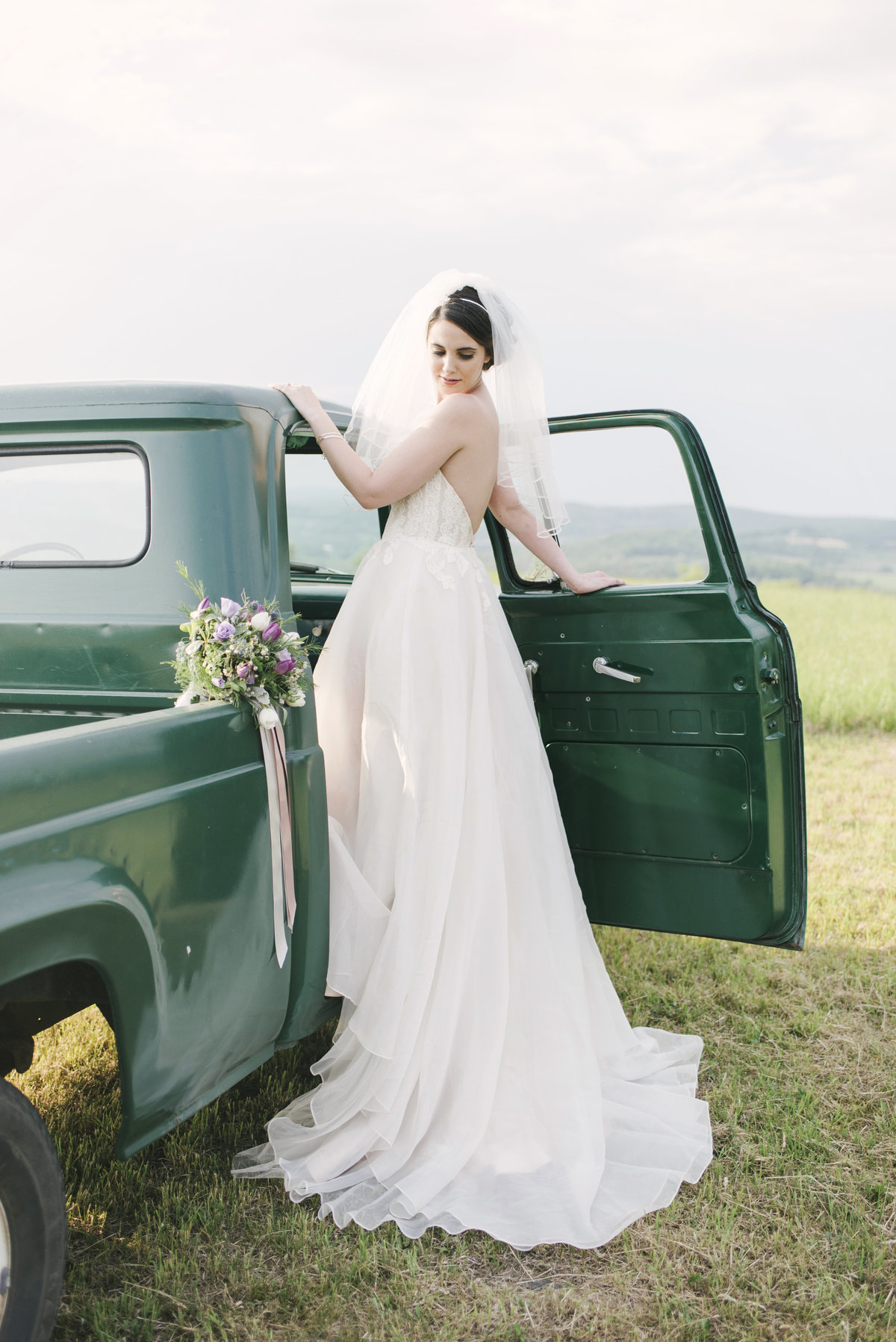 Monica-Relyea-Events-Alicia-King-Photography-Globe-Hill-Ronnybrook-Farm-Hudson-Valley-wedding-shoot-inspiration68