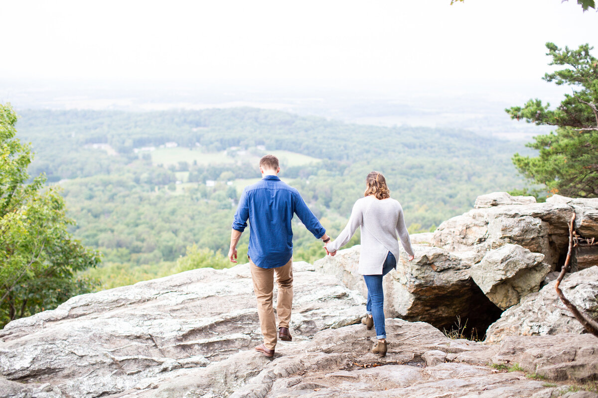 bears-den-overlook-bluemont-engagement-26