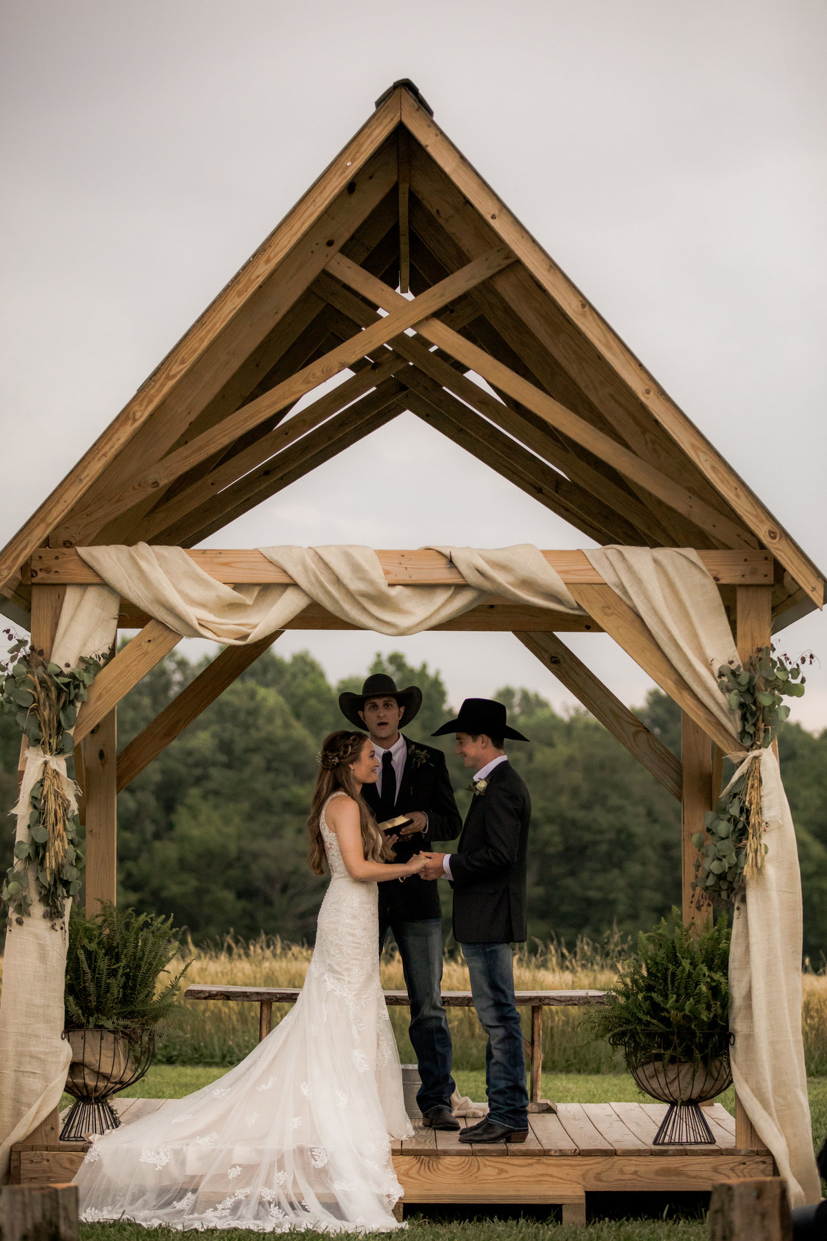 Nsshville Bride - Nashville Brides - The Hayloft Weddings - Tennessee Brides - Kentucky Brides - Southern Brides - Cowboys Wife - Cowboys Bride - Ranch Weddings - Cowboys and Belles096