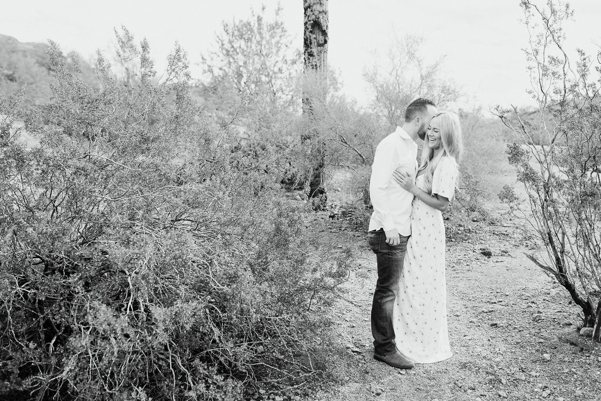 Savannah + Colin - Engagement Session - Lunabear Studios-41