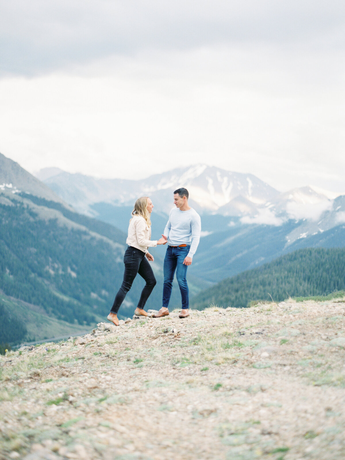 Melissa Brielle Photography Colorado Fine Art Wedding Engagement Photographer Photograph Melissa Minkner Light Airy Luxury High End15
