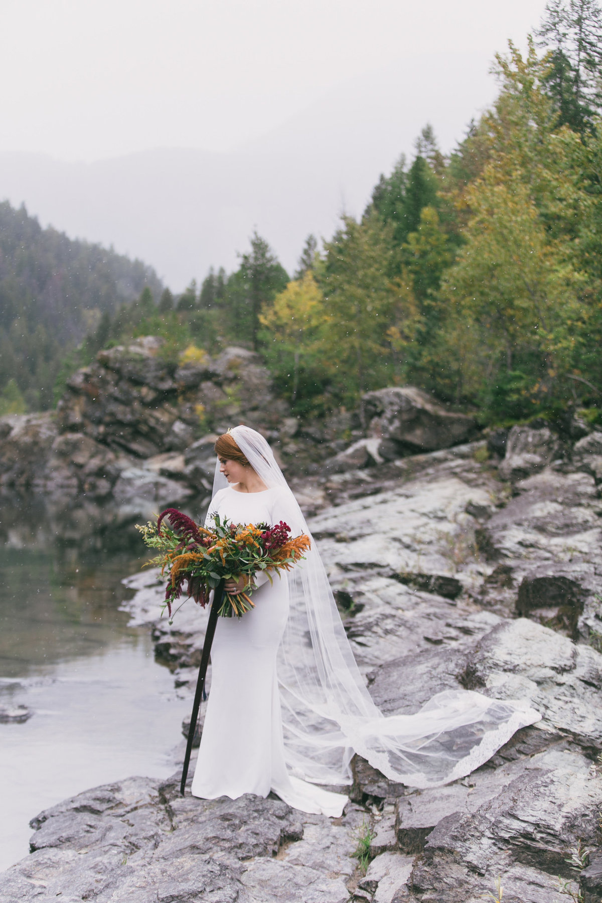Jennifer_Mooney_Photography_Abbey_Stephen_Fall_Winter_Glacier_Park_Elopement-46