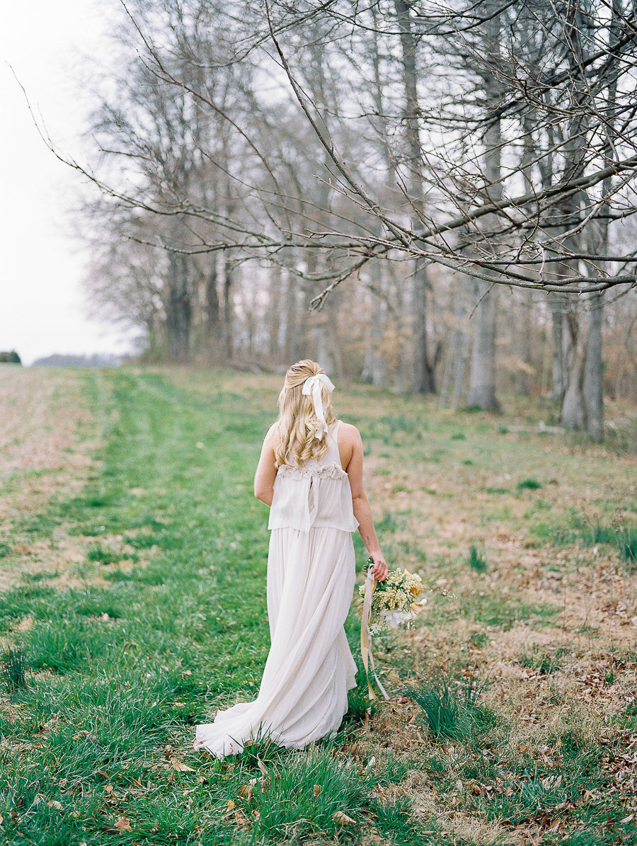 Graceful_Countryside_Fine_Art_Bridal_Maryland_Wedding_Megan_Harris_Photography-60