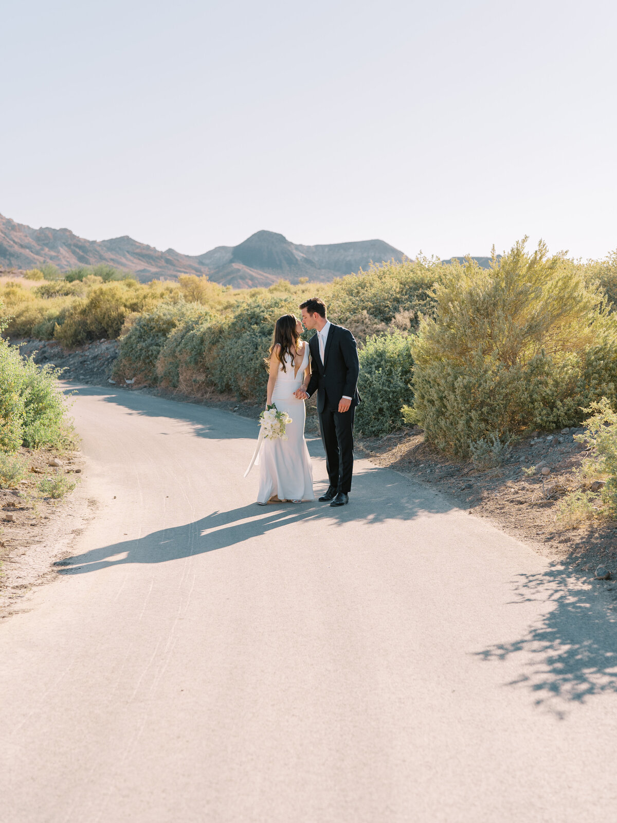 bride-and-groom-lake-las-vegas