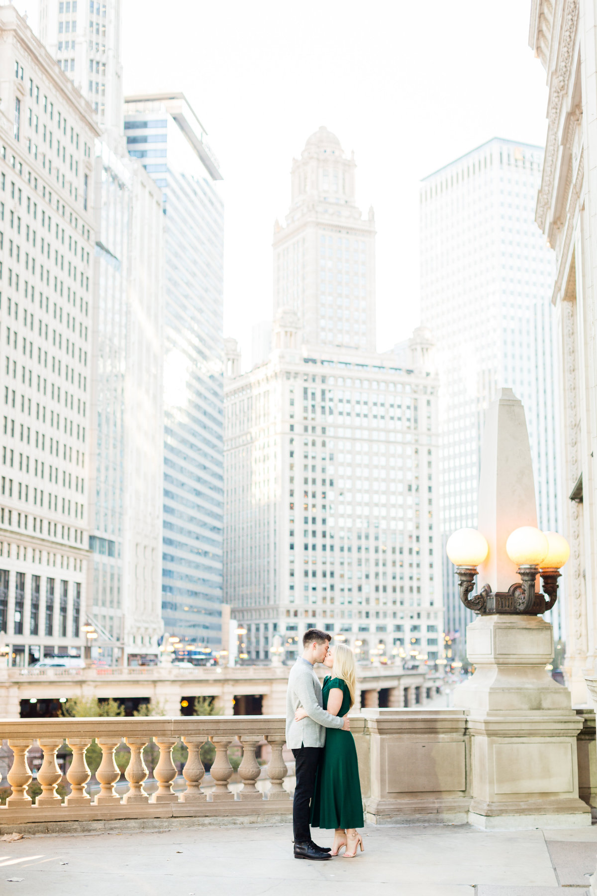 winter-downtown-chicago-engagement-session-19