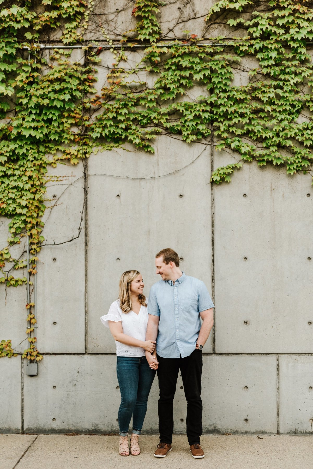 boston-wedding-photographer-charlestown-navy-yard-engagement-photo_0025