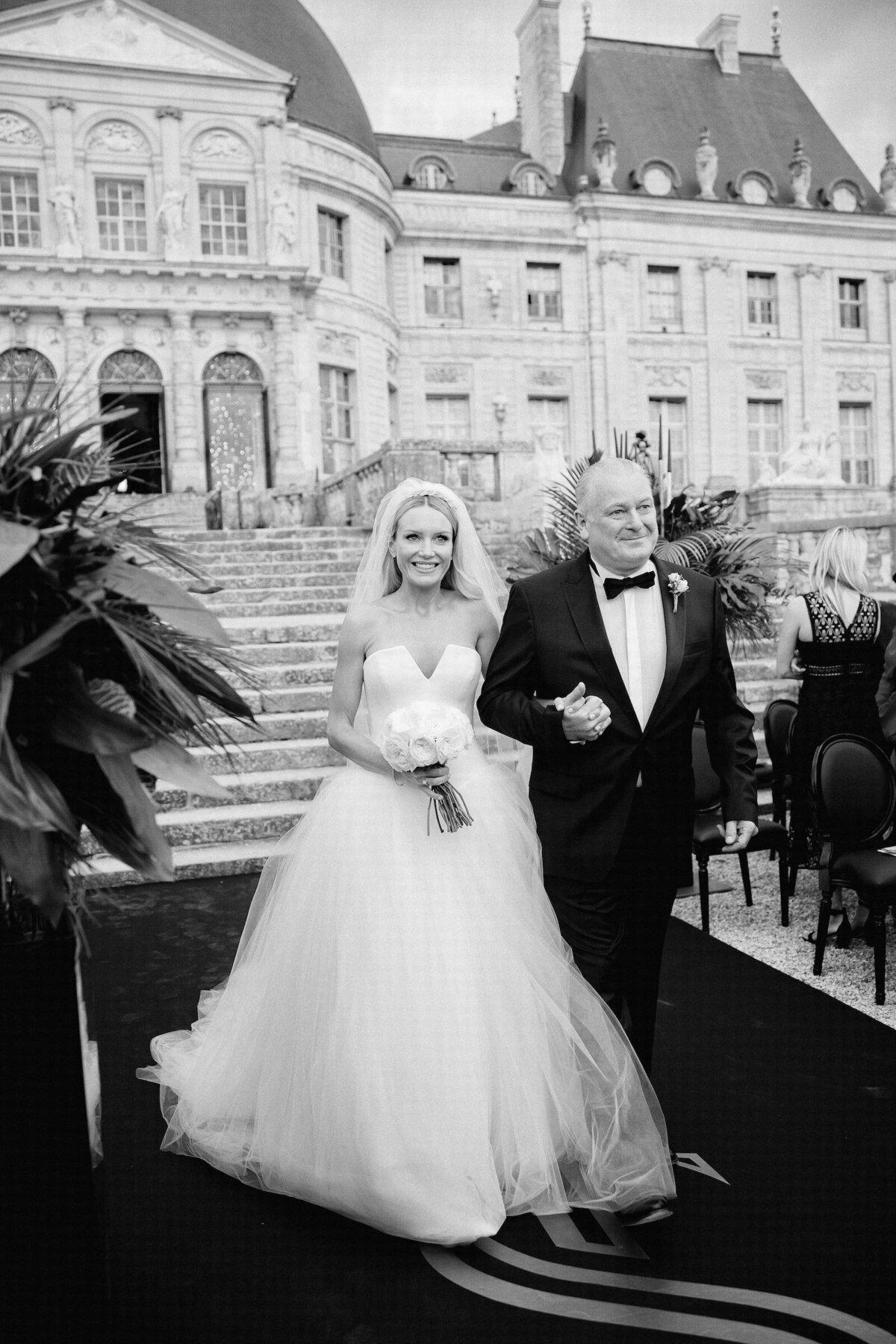 vaux-le-vicomte-luxury-wedding-phototographer-in-paris (8 of 56)