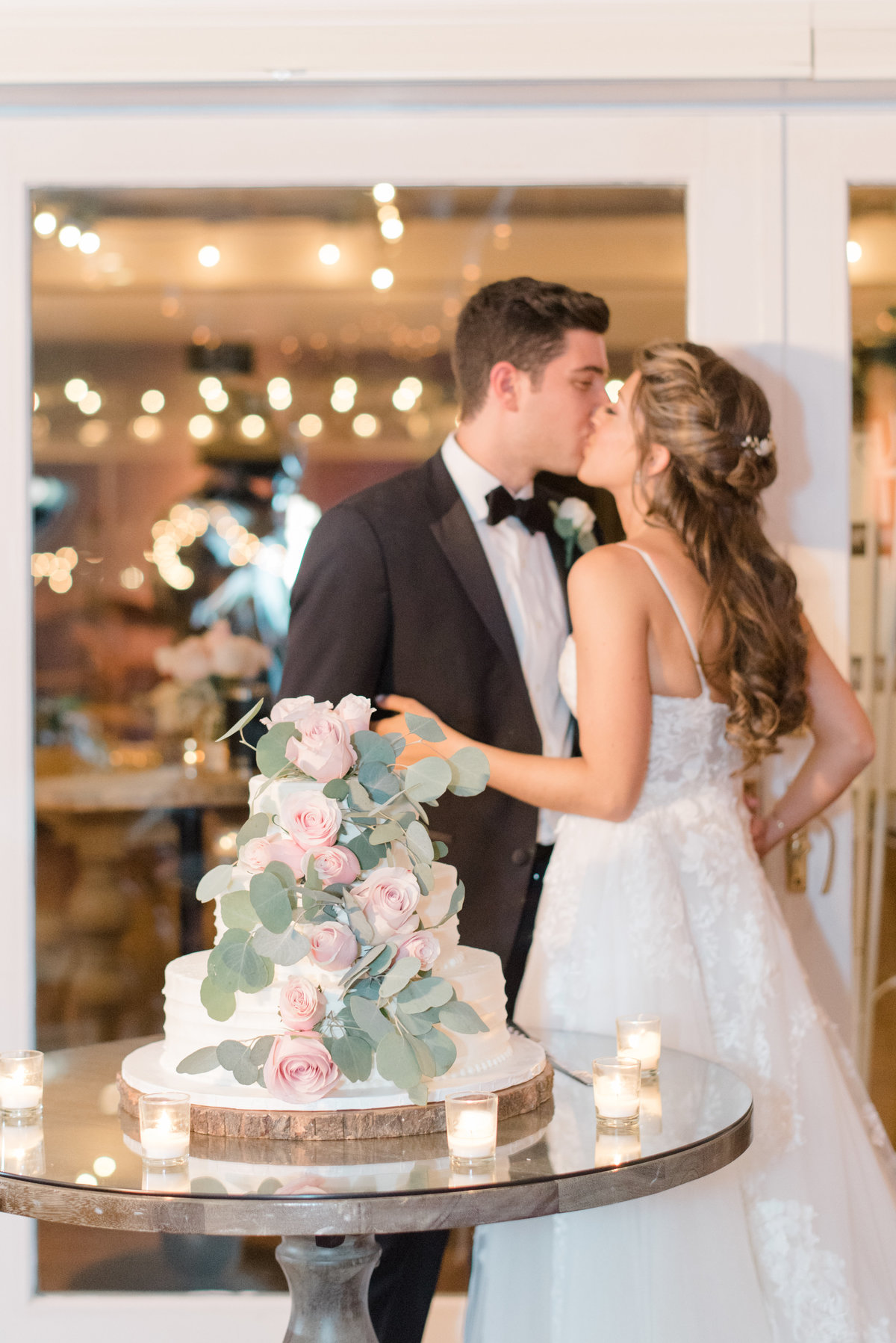 Samantha-Jesse-long-island-Wedding-photo-cutting-cake