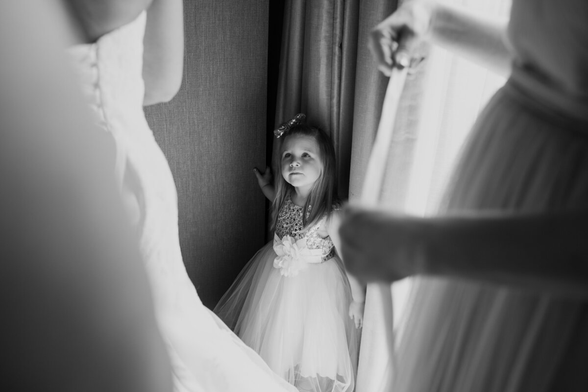 The Best Columbus Ohio Photographer Lithuanian Wedding North 4th Corridor Hilton Downtown