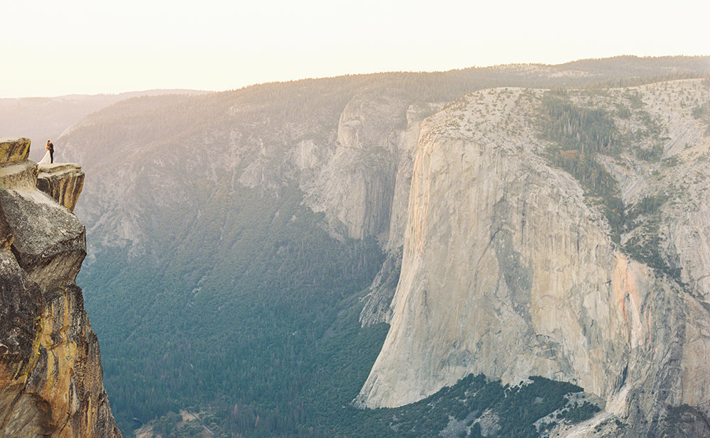 Yosemite Elopement Wedding Taft Point - Cassie Valente Photography