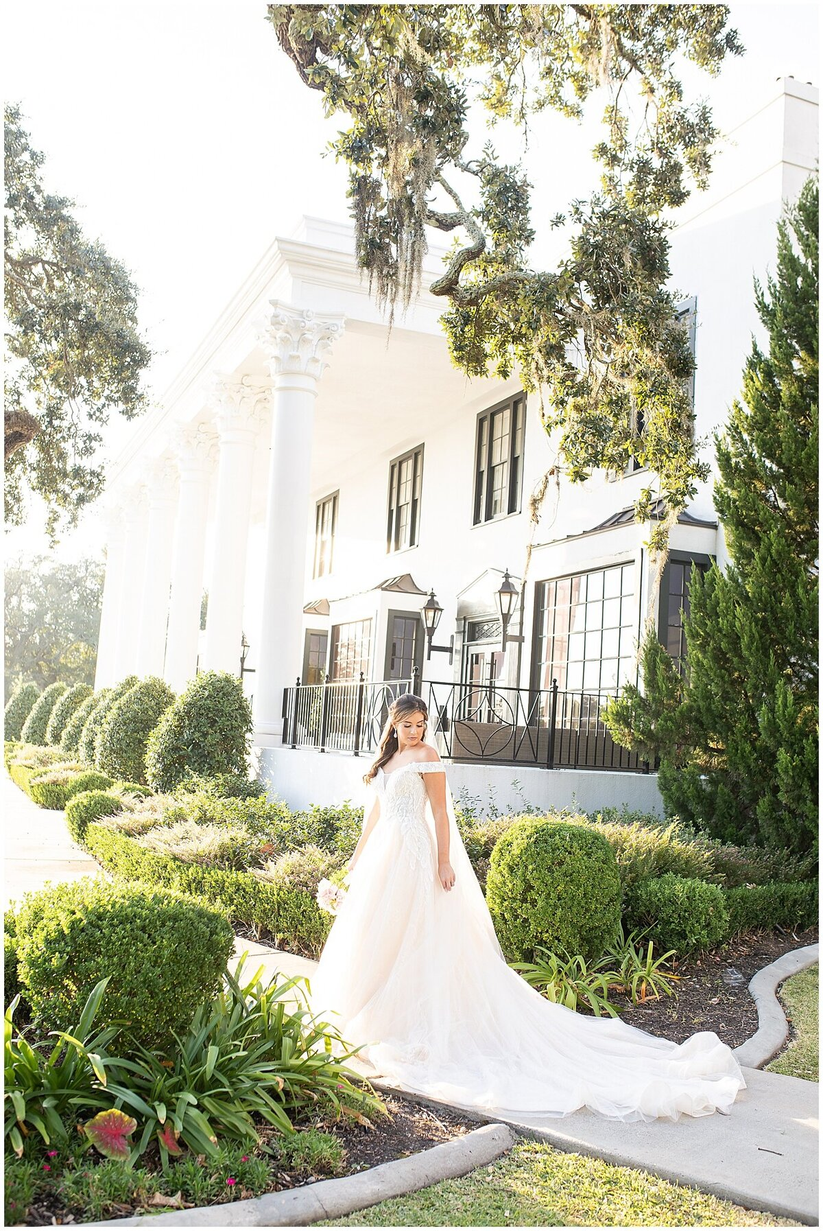 Bridal-Wedding-PortraitsThe-White-House-Hotel-Biloxi1235
