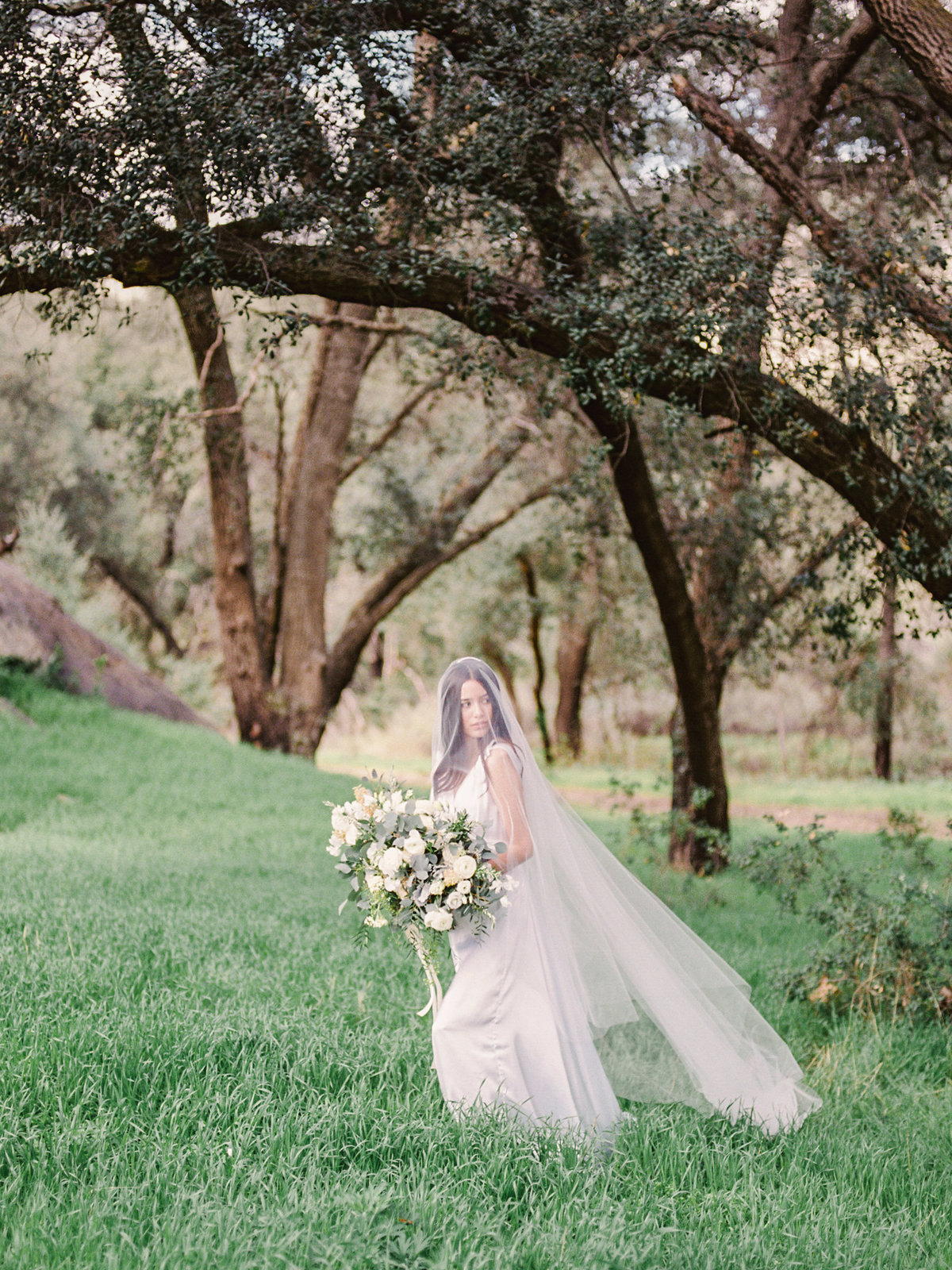 Babsie-Ly-Photography-Fine-Art-Film-Wedding-Bridal-Editorial-in-Hidden-Oaks-San-Diego-015