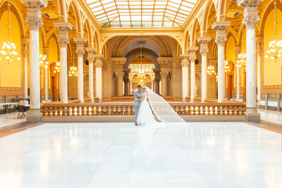 Ohio Wedding Photographer - Best 2019-262