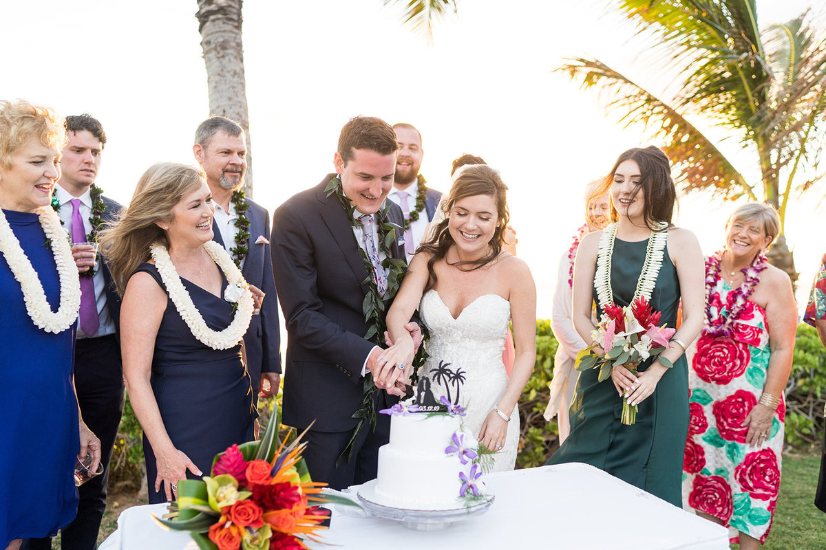 Oahu Hawaii Wedding Photos-56
