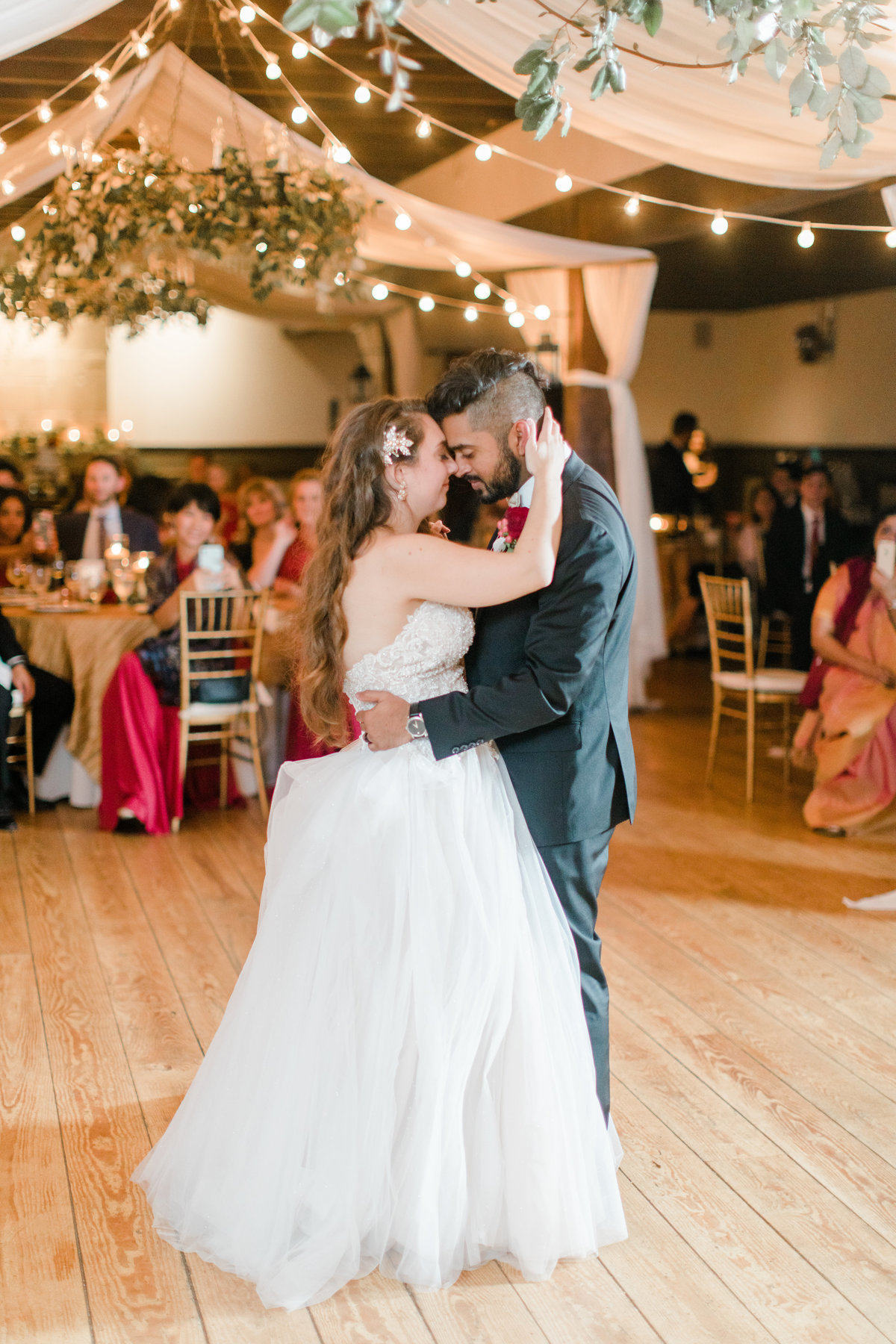 Williamsburg_Winery_Fall_Wedding_Virginia_DC_Photographer_Angelika_Johns_Photography-0057