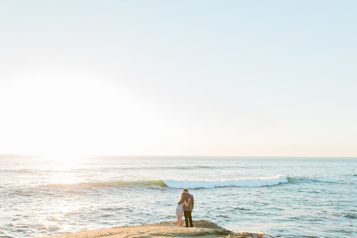 babsie-ly-photography-surprise-proposal-photographer-san-diego-california-sunset-cliffs-epic-scenery-010