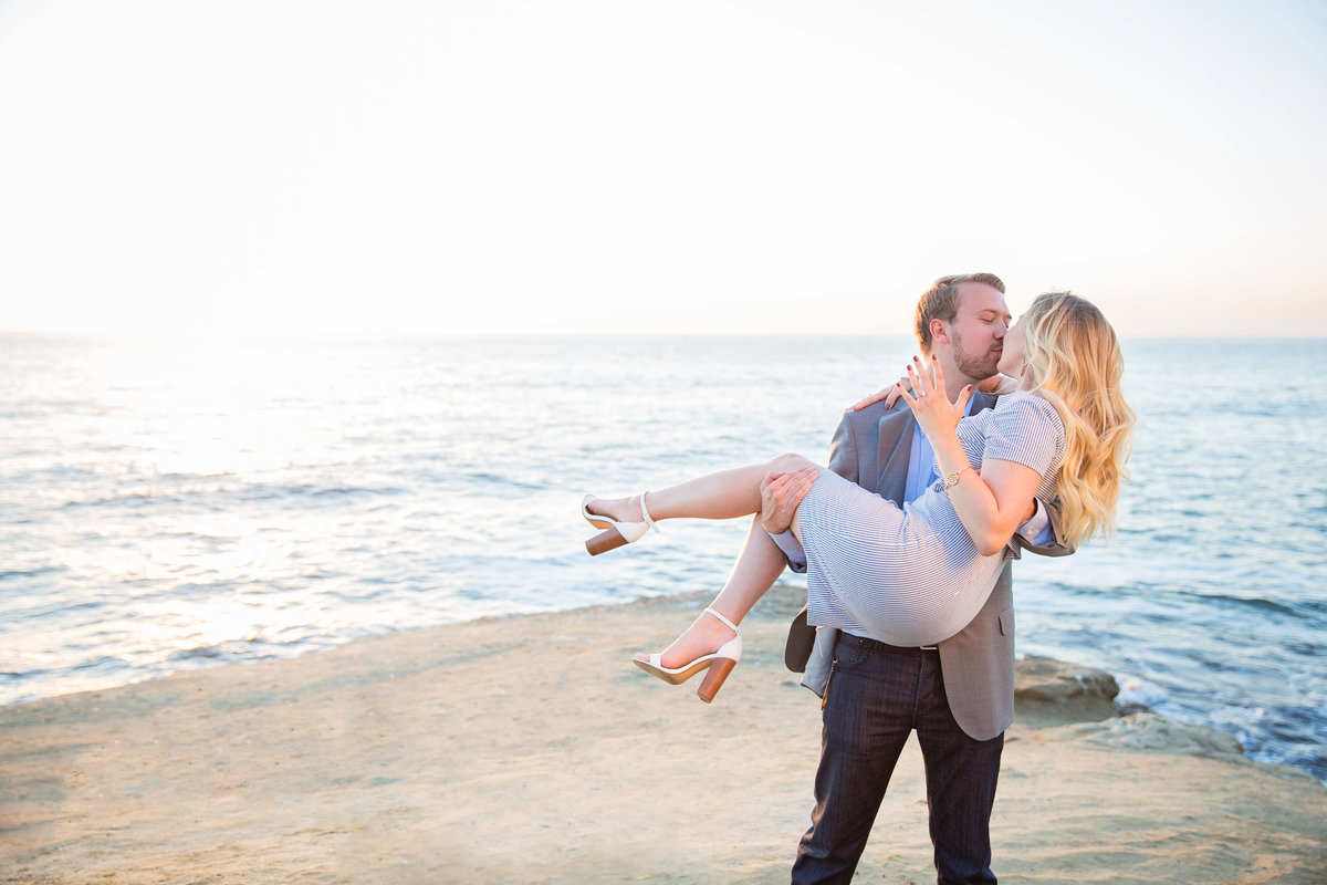 babsie-ly-photography-surprise-proposal-photographer-san-diego-california-sunset-cliffs-epic-scenery-013
