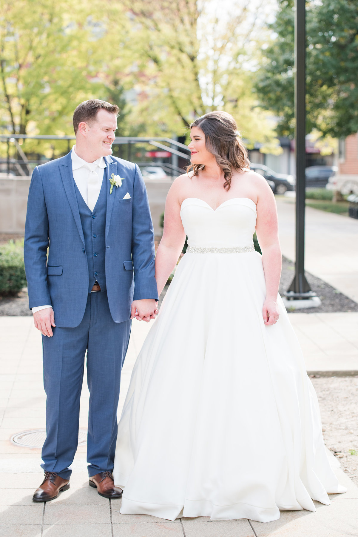 Newlywed Portraits Cait Potter Creative LLC Milltop Potters Bridge Noblesville Square Courthouse Wedding-15