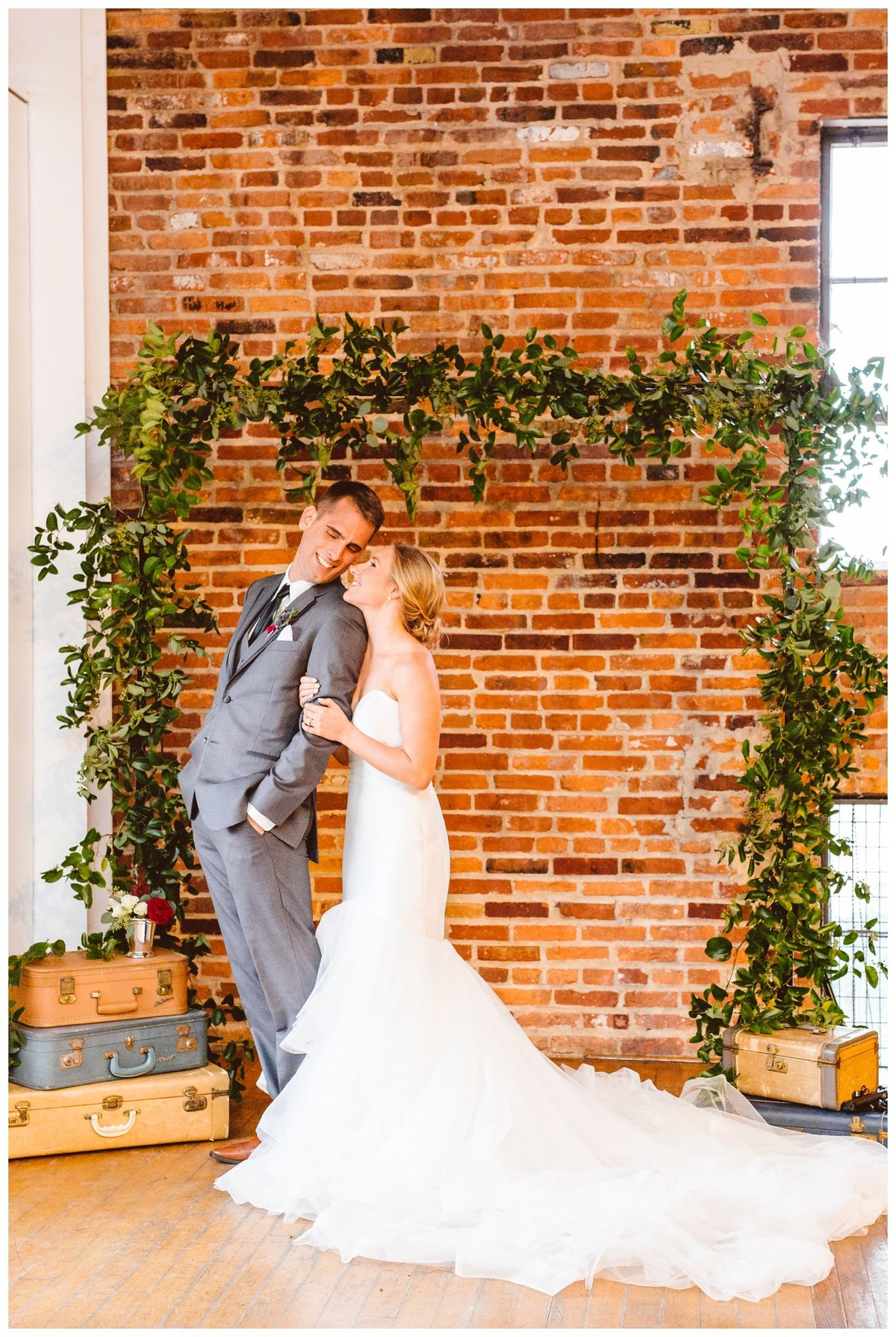 paige-and-bo-loyola-and-avam-baltimore-wedding-brooke-michelle-photography_1145
