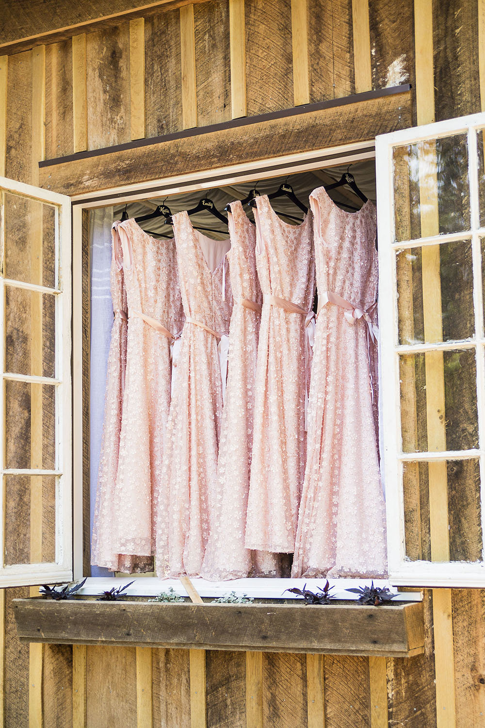 bridesmaid dresses from rustic wedding in Murfreesboro Tennessee