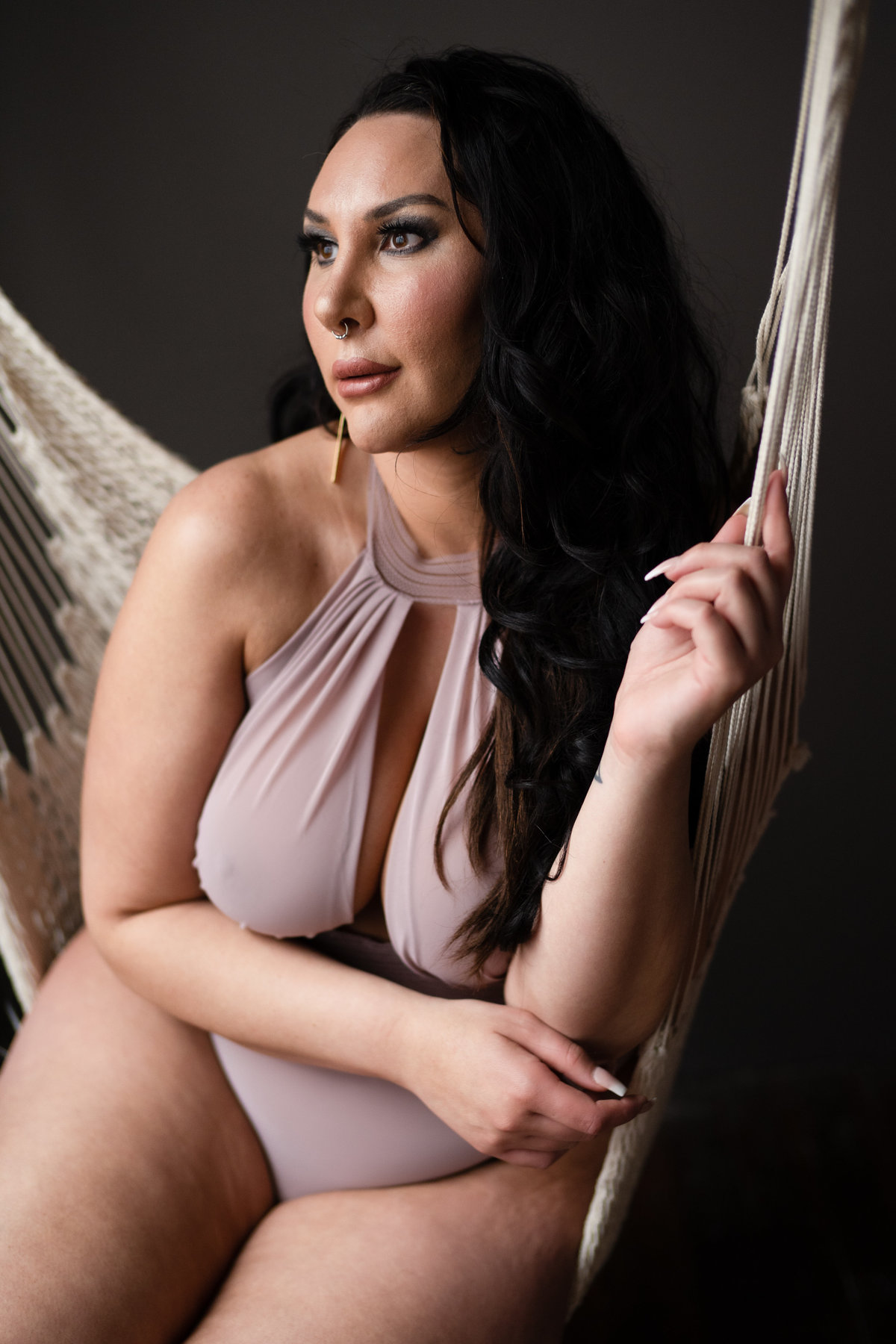 Curvy Boudoir Photos. Plus Size Boudoir Photos. KC Boudoir Photographer.  Boudoir KC.  Kansas City Boudoir Photographer.