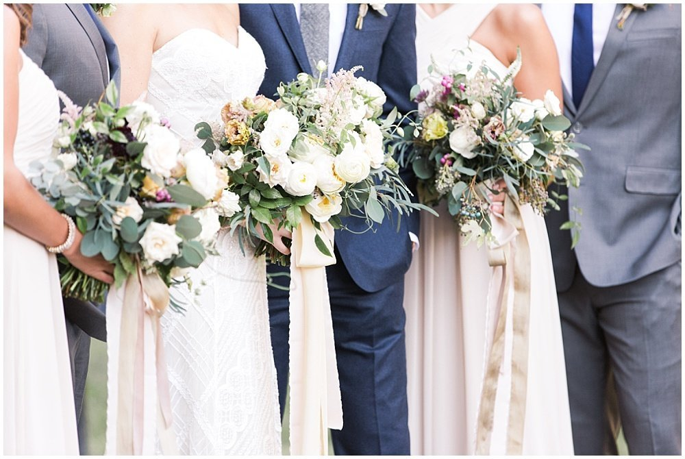 Laurel-Hall-Fall-Navy-Wedding-Ivan-Louise-Images-Jessica-Dum-Wedding-Coordination_photo_0017