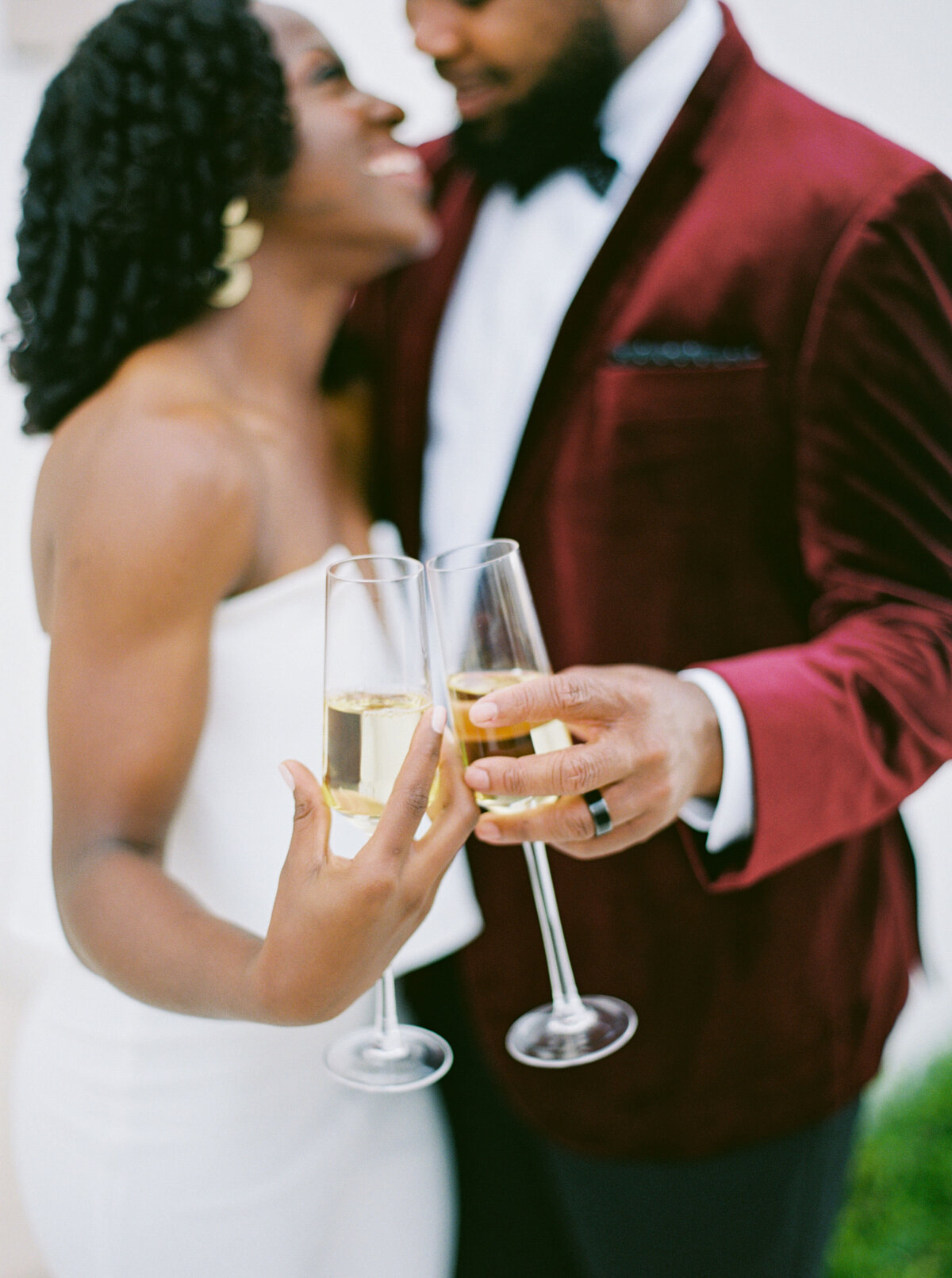 Wedding Champagne Glasses - Bride & Groom Toasting