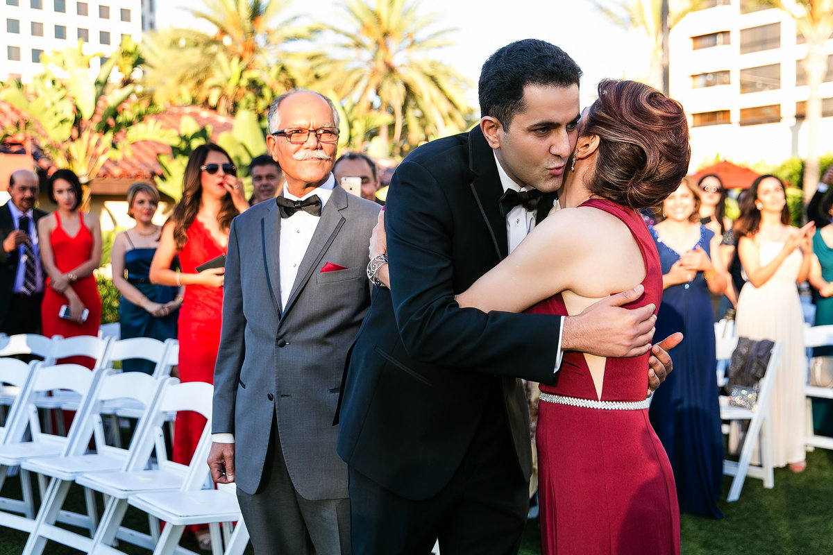 076-hotel-irvine-wedding-photos-sugandha-farzan