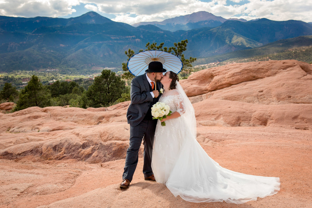garden-of-the-gods-wedding-pictures