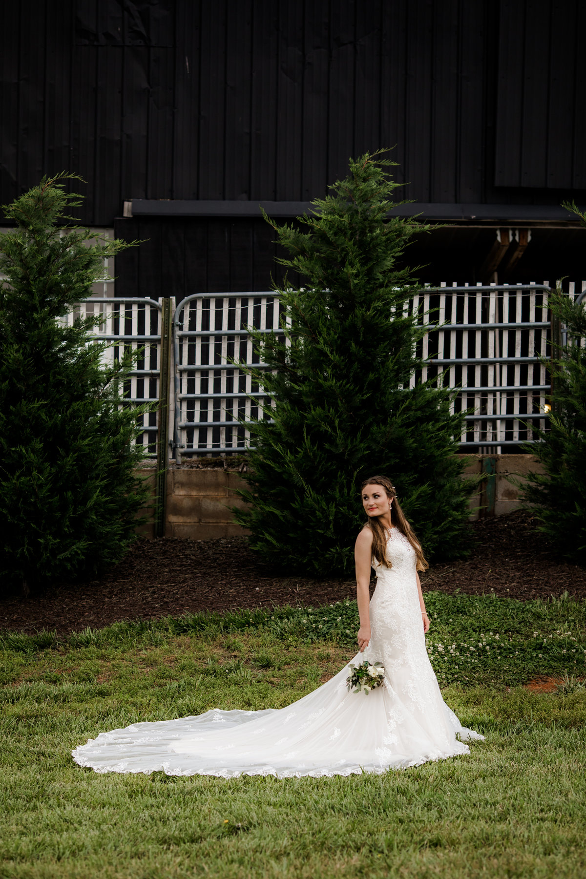 Nsshville Bride - Nashville Brides - The Hayloft Weddings - Tennessee Brides - Kentucky Brides - Southern Brides - Cowboys Wife - Cowboys Bride - Ranch Weddings - Cowboys and Belles049