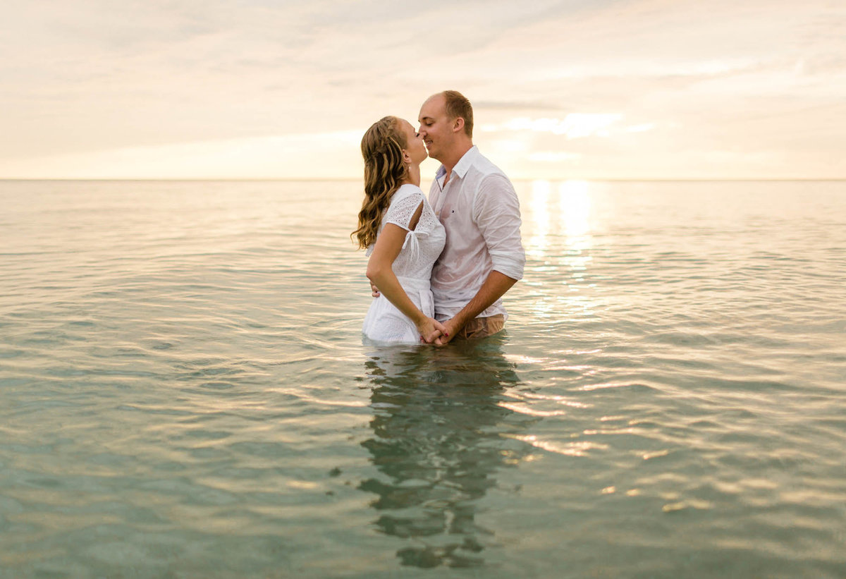 naples-florida-wiggins-beach-engagement-photos-1008