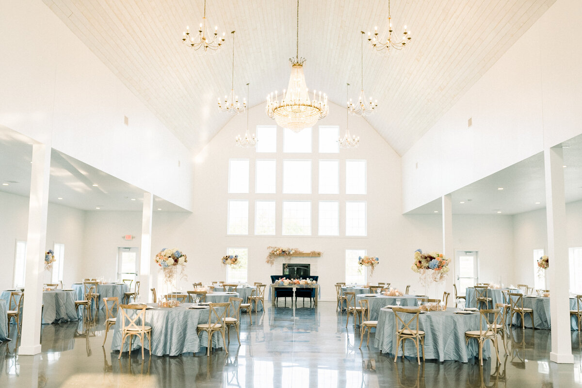 Abella Wedding Photos, Abella Minnesota, Minnesota Bride, Minnesota wedding photographer, Minneapolis wedding photographer, fine art wedding photographer, minnesota fine art wedding photographer, minneapolis wedding photographer, MN wedding venue