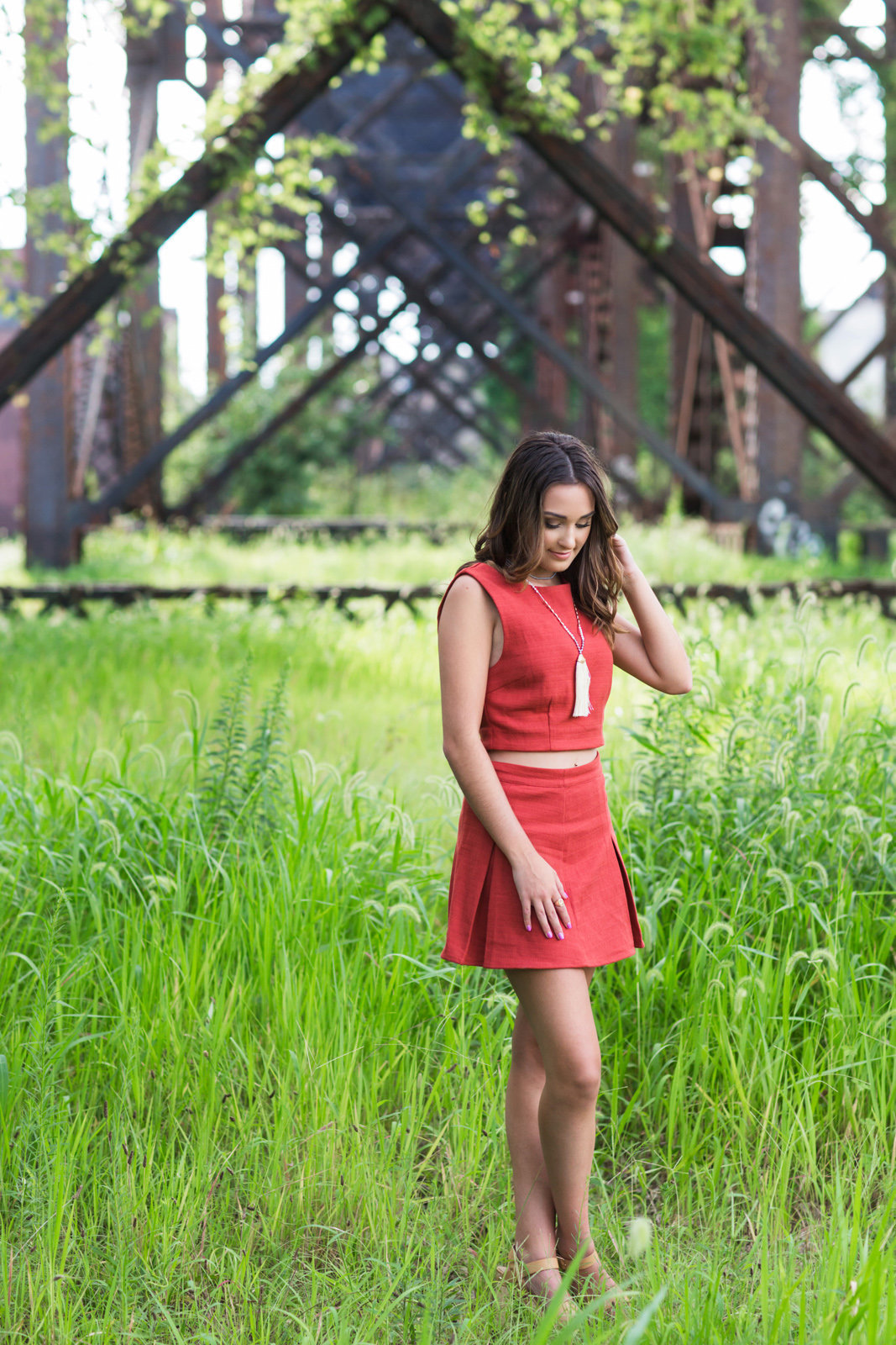 L Photographie high school senior photos St. Louis riverfront downtown 21