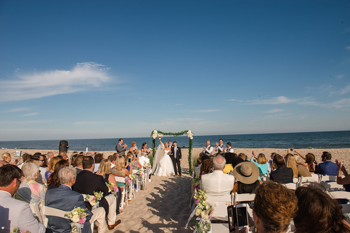 Beach ceremony at Oceanbleu
