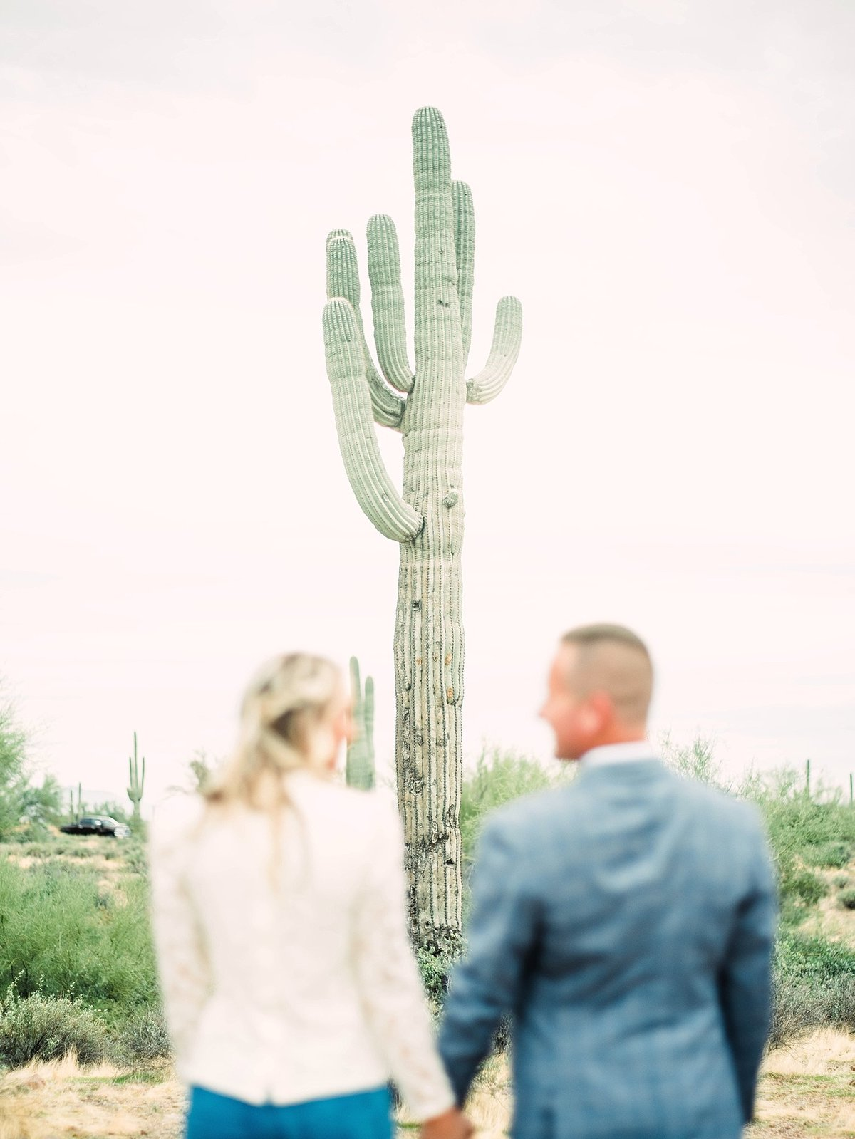 scottsdale-arizona-wedding-photographer-engagement-desert_0048