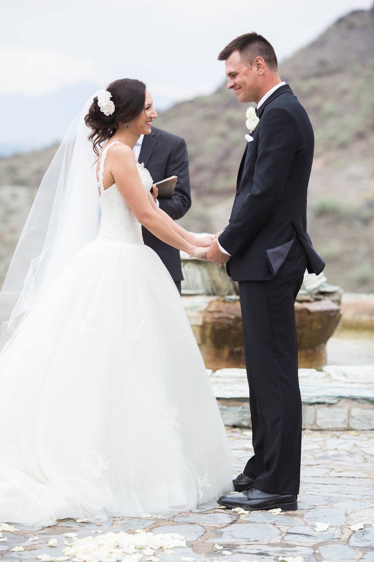 Keely_FJ_3078Tapatio_Cliff_Pointe_Hilton_Different_Pointe_Of_View_Wedding