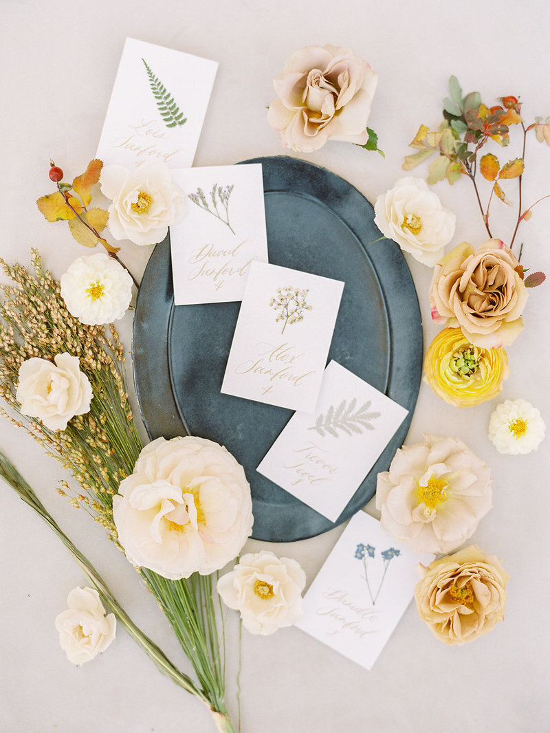 escort-cards-fall-wedding